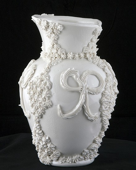 Robert Chamberlin, Empty Vessel 171 2014, Porcelain with porcelain decoration